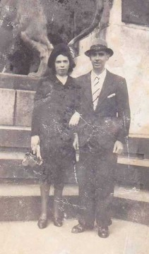 Lucienne avec celui qui deviendra son mari, Télémaque