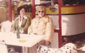 Linda et ma Maman, sans oublier la chienne Laïka