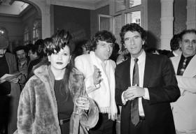 1983, première visite du Ministre de la Culture, Jack Lang au festival ; à gauche, Sapho, à droite, Maurice Pollein, président de l'Association Printemps de Bourges de 1982