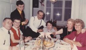 Marcel Goby, mari de Christiane, Ginette de Lipowski, épouse de Serge, moi, Serge de Lipowski, ma grand-mère Elisabeth, ma mère et Christiane de Lipowski