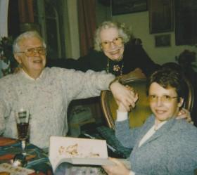 Georges, Edwige sa maman, et la compagne de Georges