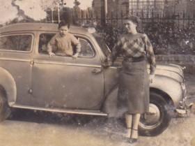 Lisette Moreau, sa voiture, mon cousin Jean-Claude